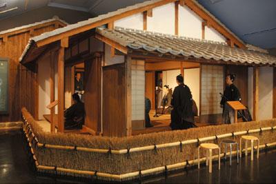 松陰記念館の松下村塾を再現したコーナーの写真