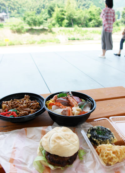 周南市の特産品を使った料理の写真