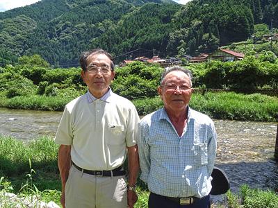 玖北漁業協同組合の水野さんと梶山さんの写真