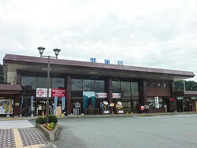 山口駅外観の写真