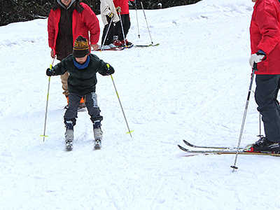 船平山スキー場でのスキーの様子の写真