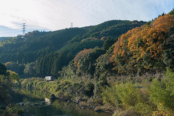 湯ノ峠駅から厚保駅間の景色の写真