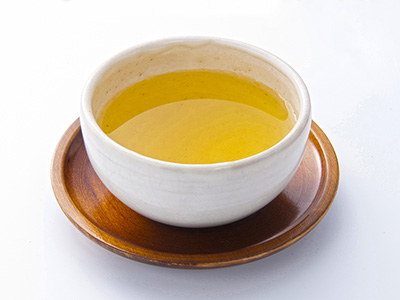 湯呑に入ったお茶の写真
