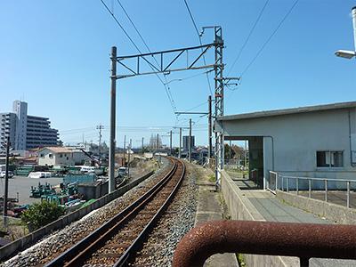 南中川駅ホームからの眺めの写真