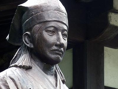 福原越後像の写真