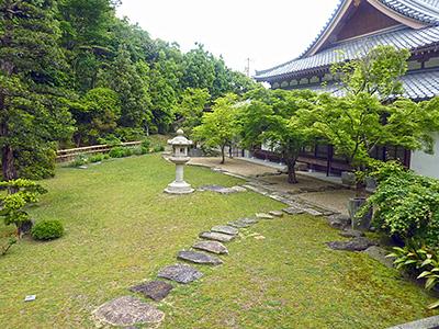 龍心庭から見た宗隣寺の写真